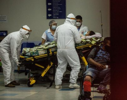 Los casos de contagios y muertos por coronavirus en Guatemala van en aumento. (Foto Prensa Libre: EFE)