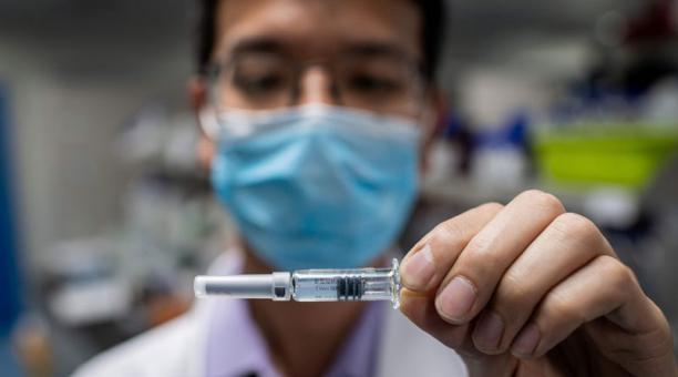 La vacuna de Moderna contra el covid-19 empieza a distribuirse en EE.UU.