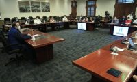 Las mesas de trabajo del Gabinete de Giammattei no deberán acudir a citaciones al Congreso, por cuarentena, según el mandatario.  (Foto: Gobierno de Guatemala)
