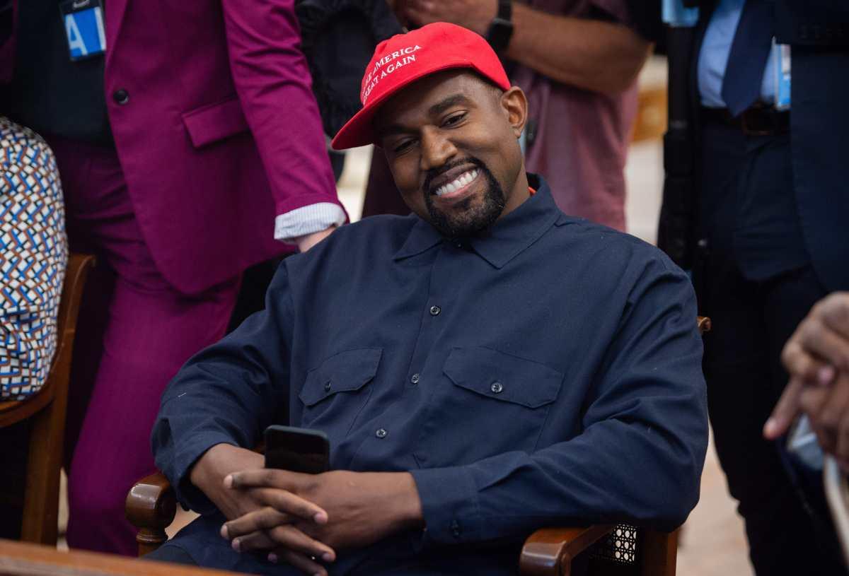 Kanye West llora en el lanzamiento de su candidatura a la presidencia de Estados Unidos