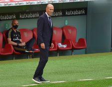 Zidane, durante le partido entre Athletic y Real Madrid. (Foto Prensa Libre: AFP)