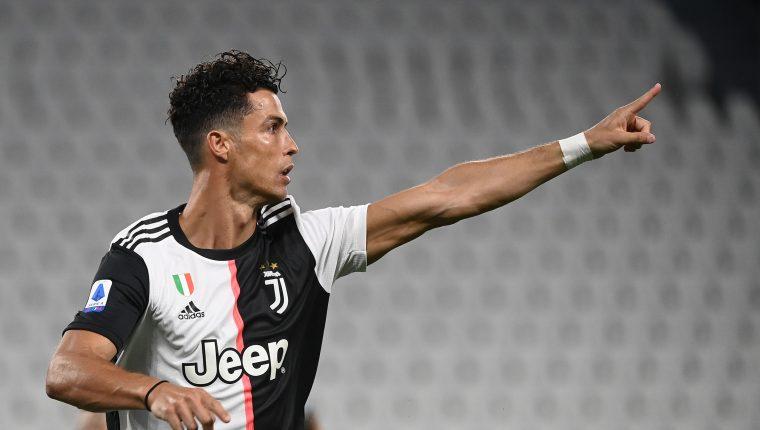 El portugués Cristiano Ronaldo continúa haciendo historia en el futbol mundial. (Foto Prensa Libre: AFP)