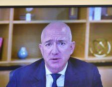 Jeff Bezos, CEO de Amazon, durante una audiencia virtual reciente ante la Cámara de Representantes de Estados Unidos. (Foto Prensa Libre: Hemeroteca PL)