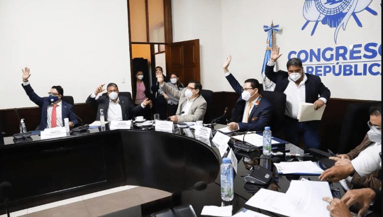 Comisiones legislativas acordaron dictaminar a favor la iniciativa 5703 este miércoles.  Fotografía: Congreso de la República.