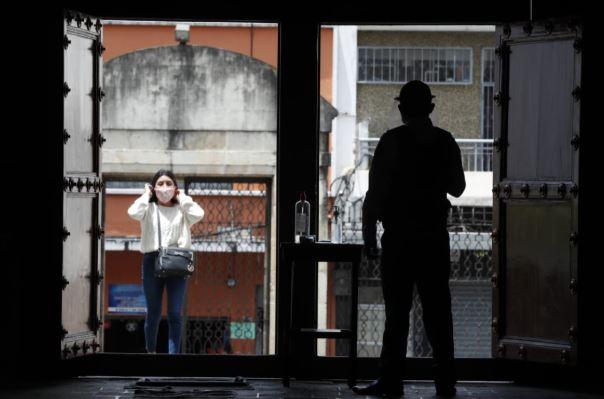 Guatemala ha iniciado de forma gradual la reapertura del algunas actividades en medio de la pandemia por el coronavirus. (Foto Prensa Libre: Esbin García)