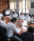 El Concejo de Quetzaltenango por mayoría decidió adjudicar a la empresa Nandi SA la compra de 32 bolsas de víveres por Q1 millón 920 mil. (Foto Prensa Libre: Raúl Juárez)