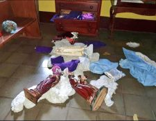 En la capilla Nuestra Señora del Perpetuo Socorro de la parroquia Santa Ana, en la ciudad de Nindirí, desconocidos dañaron varias imágenes. (Foto Prensa Libre: Tomada del Twitter @resistenciacamp)