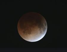 Este será el tercer eclipse penumbral del año. (Foto: AFP)