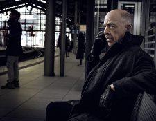La serie Counterpart es protagonizada por J.K. Simmsons, quien representa a la misma persona en dos realidades paralelas. (Foto Prensa Libre: IMDB)