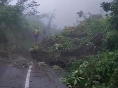 Derrumbe en Santiago Atitlán, Sololá. (Foto Prensa Libre: Conred)