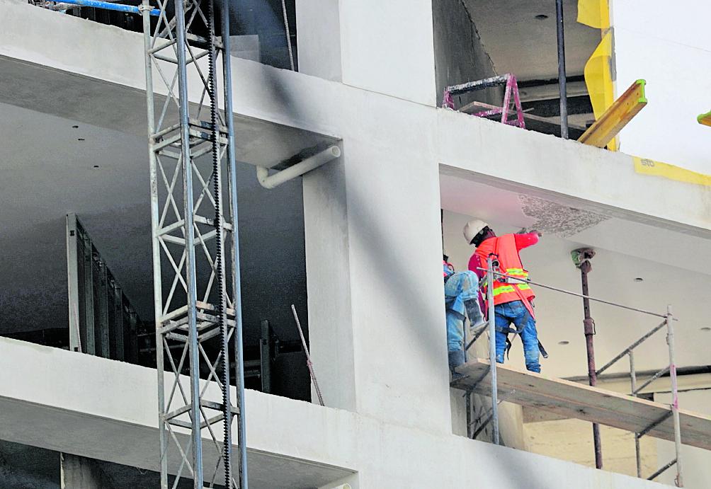 La construcción tendrá un desempeño negativo en 2020, pero será el sector que más crecimiento tendrá en 2021, según la evaluación de la economía por la Junta Monetaria. (Foto Prensa Libre: Hemeroteca)