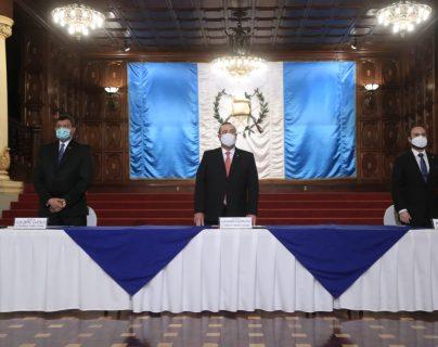 Giammattei cierra tres entidades y crea una nueva comisión para la paz y los derechos humanos