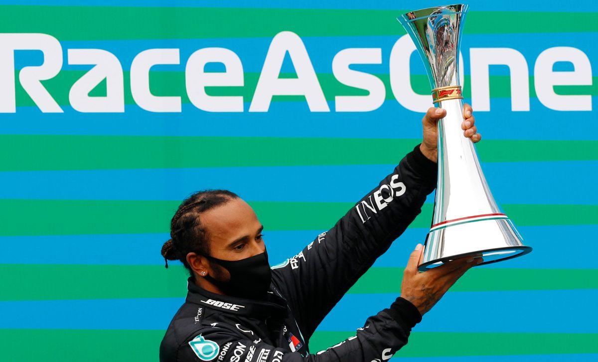 Hamilton toma el liderato de la Fórmula Uno