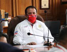 Juan Fernando López, alcalde de Quetzaltenango, indicó que le han dedicado el mayor tiempo y trabajo de estos seis meses en temas del coronavirus. (Foto Prensa Libre: Raúl Juárez)