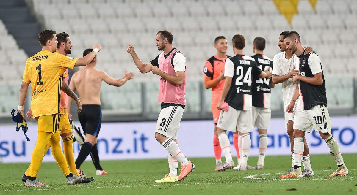 Lazio y Milan empatan y acercan el título a la Juventus