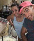 El defensor argentino Juan Lovato y su esposa incursionaron en el mundo del emprendimiento de comida argentina. Foto Prensa Libre: Cortesía Juan Lovato