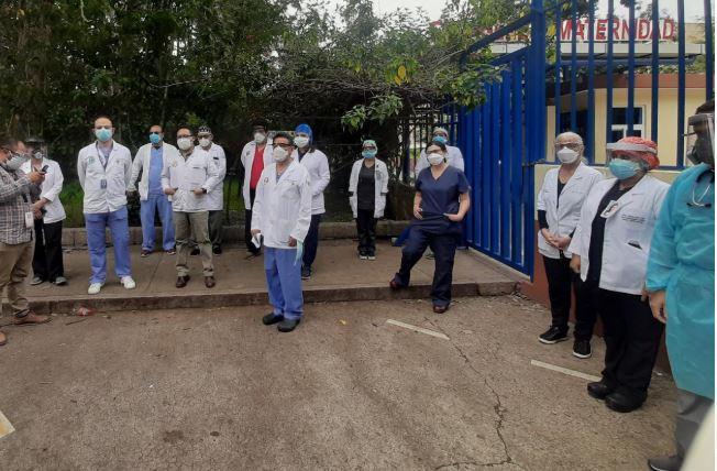 Médicos del Hospital Roosevelt han denunciado el colapso de ese centro asistencial en medio de la emergencia por el coronavirus. (Foto: Hemeroteca PL)
