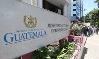 El Ministerio de Trabajo agregó un nuevo requisito  para que los patronos soliciten suspensión de contratos. (Foto, Prensa Libre: Hemeroteca PL).