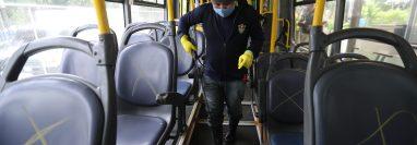 Varias empresas u organizaciones de transporte público han hecho pruebas  para reabrir operaciones. (Foto, Prensa Libre: Hemeroteca PL).