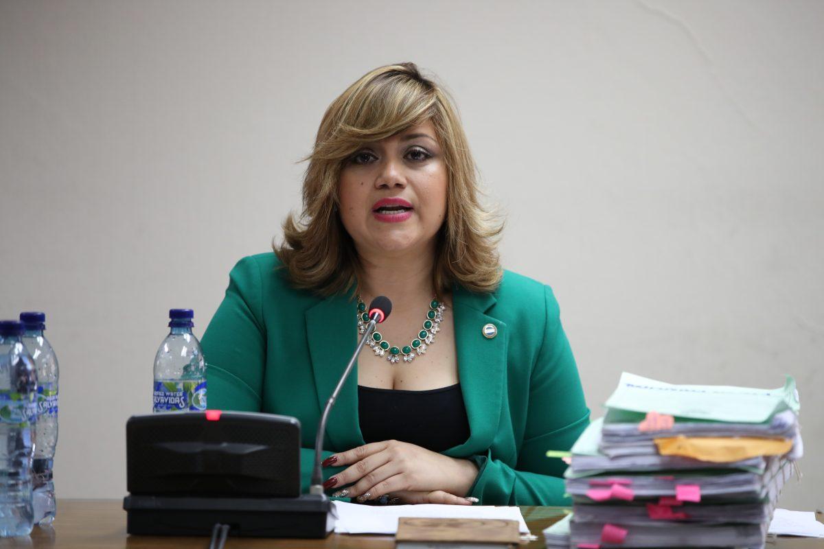 Beyla Estrada se inhibe de ser jueza pesquisidora de Erika Aifán