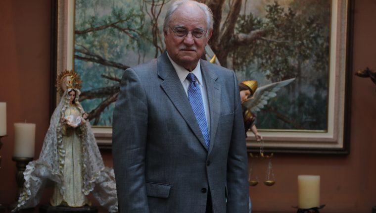Ricardo Castillo Sinibaldi, preside el Irtra expone acerca del desarrollo del Irtra. (Foto, Prensa Libre: Érick Ávila).