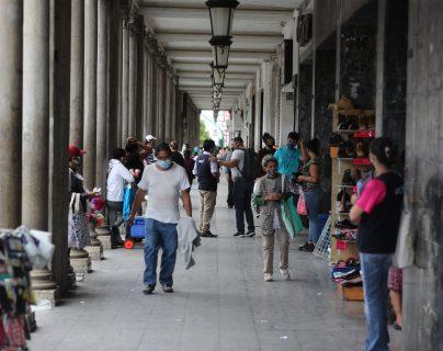 El sector sindical propondrá un incremento de Q135 diarios y el sector empleador cero incrementos en las comisión paritaria para 2021 que se reúne la próxima semana. (Foto Prensa Libre: Hemeroteca)