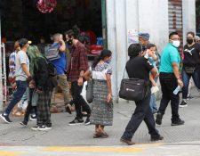 Alcaldes necesitan que se refuercen los centros de salud para atender a vecinos cuando arranque el semáforo de alertas.  (Foto Prensa Libre: Érick Ávila)