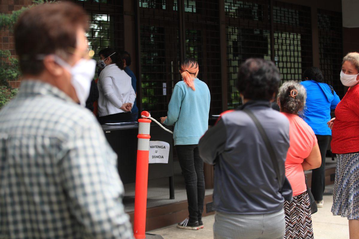 Bono familia: IVE alerta sobre posibles transacciones sospechosas vinculadas con lavado y extorsiones