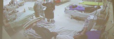 Esta es la nueva área de covid en el HRO, de 11 camas ahora están ocupadas seis. (Foto Prensa Libre: María José Longo)