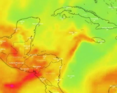 Imagen del pronóstico del desplazamiento del polvo del Sahara, generada por Windy. (Foto Prensa Libre: Imagen compartida por el Insivumeh)