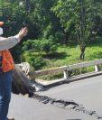 Puente colapsado en el ingreso a Santa Lucía Cotzumalguapa, Escuintla. (Foto Prensa Libre: Conred)