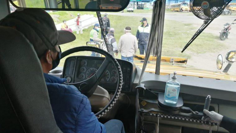 Para este viernes se tiene planificado que las primeras unidades tengan pruebas en el casco urbano de Xela. (Foto Prensa Libre: Raúl Juárez)