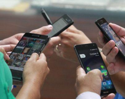 Es necesario adoptar nuevas tecnología para comunicaciones para abaratar servicio y velocidad de descarga afirma funcionario. (Foto, Prensa Libre: Hemeroteca PL)..