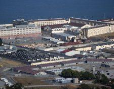Prisión de San Quintín, California, donde ya se dio un brote de covid-19. (Foto Prensa Libre: AFP)