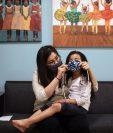 La Academia Americana de Pediatría de Estados Unidos ofrece recomendaciones para ayudar a los niños a acostumbrarse a los cubrebocas. (Alyssa Schukar/The New York Times)