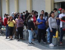 Las personas beneficiadas con el Bono Familia deben llenar una encuesta para recibir el primer o segundo pago. (Foto Prensa Libre: Hemeroteca)