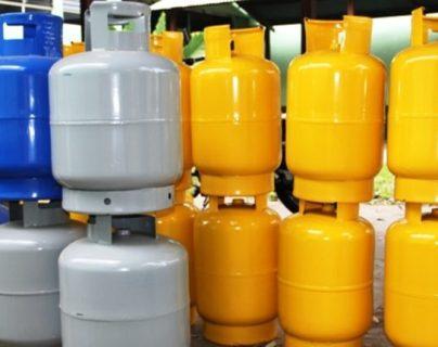 Uno de los combustibles en los que bajó la demanda es en el gas, aunque en los hogares se cocina más, están  trabajando menos restaurantes. (Foto, Prensa Libre: Hemeroteca PL).