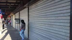 Ciertos comercios, empresas, hoteles y restaurantes estado cerrados u operado con restricciones. (Foto, Prensa Libre: Hemeroteca PL).