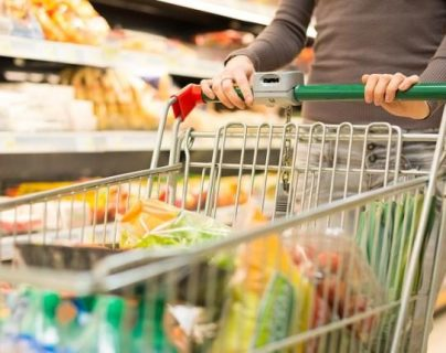 Los hábitos de consumo han cambiado durante la restricción de actividades y emergencia por el covid-19- (Foto, Prensa Libre: Hemeroteca PL).
