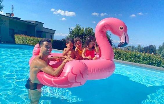 Cristiano Ronaldo disfrutó de un domingo en familia. (Foto Prensa Libre: Instagram)