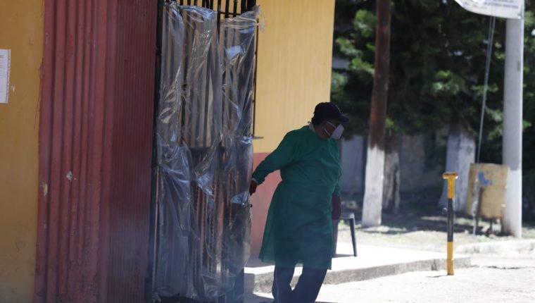 Las medidas contra el coronavirus se extreman en el país. (Foto Prensa Libre: Esbin García)