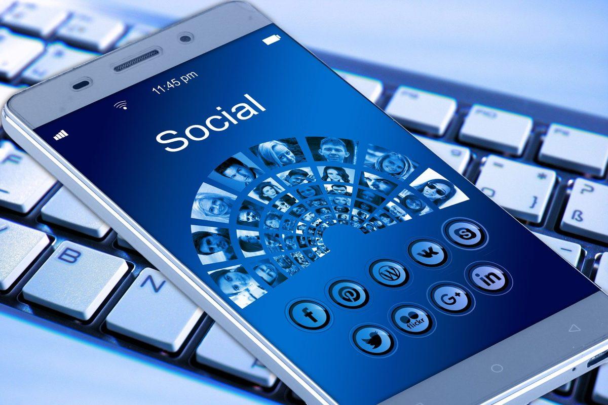 Un error de Facebook provoca la caída masiva de otras aplicaciones en iPhone