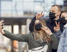 No todos los jóvenes ignoran las medidas de protección frente al coronavirus. (Foto Prensa Libre: Pexels)