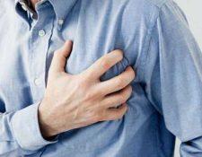 Según los investigadores, el estrés que provoca la infección de la gripe en el cuerpo puede aumentar el riesgo de sufrir un ataque cardíaco o un derrame cerebral. (Foto Prensa Libre: Heremoteca PL)