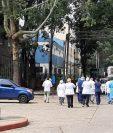 Médicos que han estado en la primera línea de batalla al coronavirus han demandado mejor respuesta del Gobierno. (Foto Prensa Libre: Hemeroteca PL)