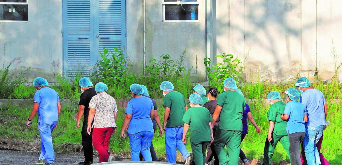 """""""Es una situación triste y dolorosa"""": médicos guatemaltecos exponen su sentir sobre la muerte de colegas a causa del coronavirus"""