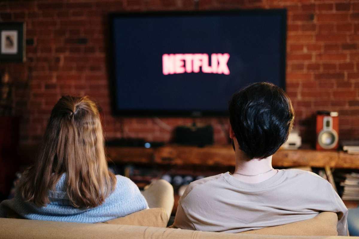 Adria Arjona, Óscar Isaac y las otras figuras que aparecen en el listado de películas más vistas en la historia de Netflix
