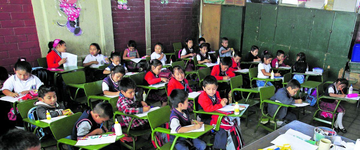 Mineduc delega en maestros la responsabilidad de definir la calificación de los estudiantes del sector público