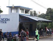 Hay 26 reclusos en las cárceles del país y 198 se han infectado de coronavirus. (Foto Prensa Libre: Hemeroteca)