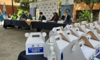 Autoridades de Salud informan del kit y de las pruebas de antígeno para detectar coronavirus. (Foto Prensa Libre: Andre Domínguez)